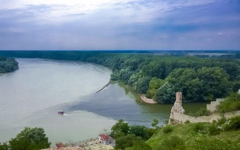 Turisti sa chystajú do Moravy!