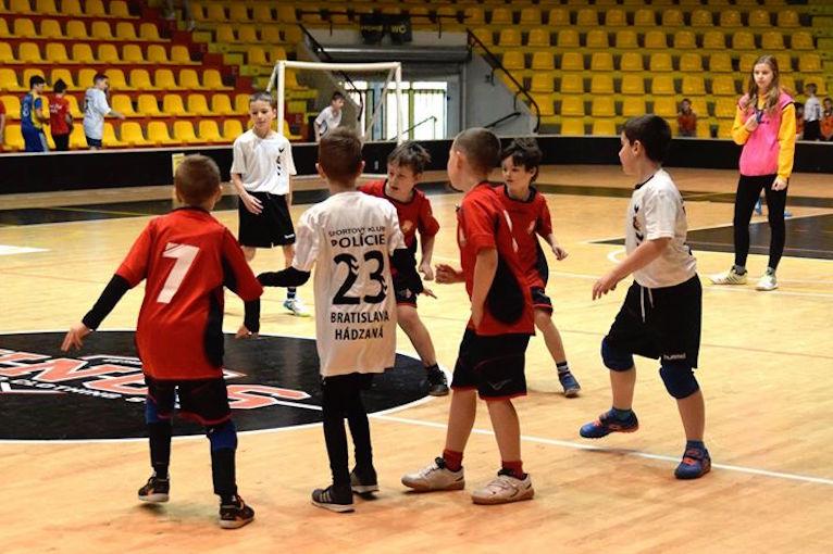 Minihádzanársky turnaj ovládol tím ŠKP Bratislava